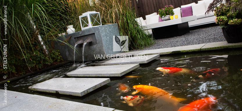 Tips en idee n voor de inrichting van de kleine tuin for Moderne vijvers foto s