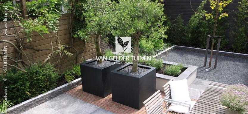 Tips en idee n voor de inrichting van de kleine tuin for Tuin aan laten leggen