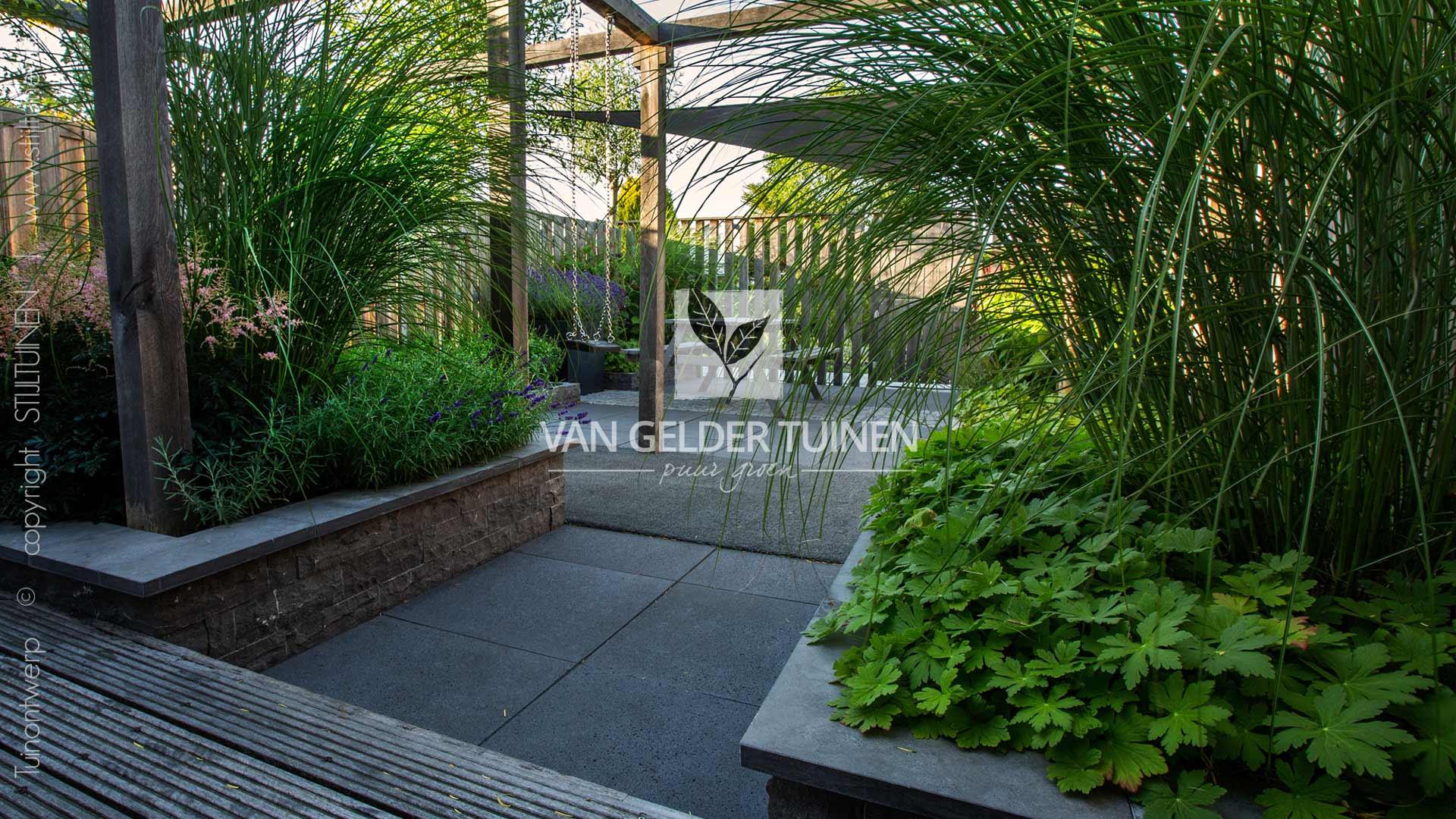 Kindvriendelijke moderne tuin