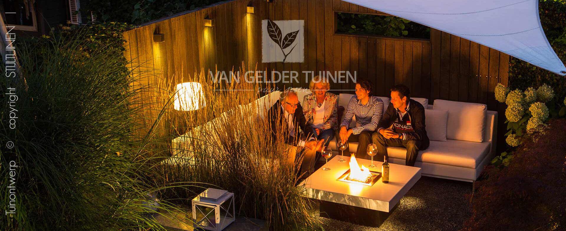 sfeervole achtertuin ontworpen door Van Gelder Tuinen