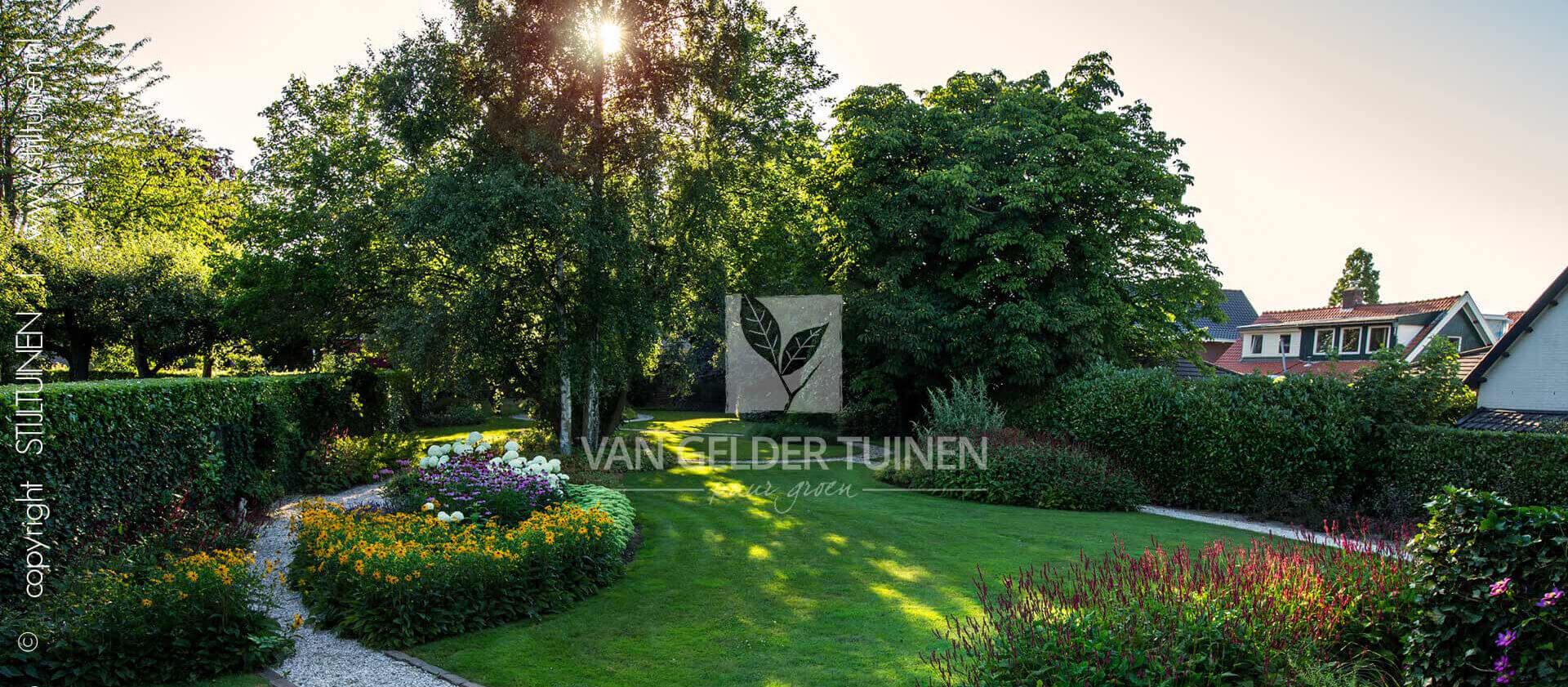 Landelijke tuin. Ontwerp en aanleg door Van Gelder Tuinen